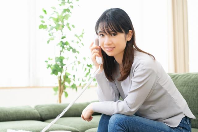 督促電話、本人以外が電話に出るとどうなる?